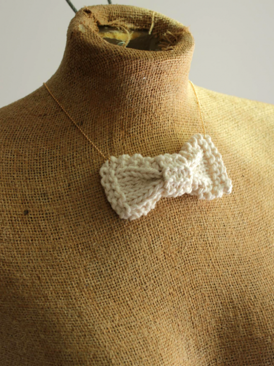 handknit bow necklace
