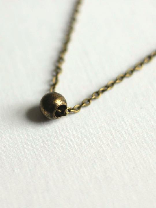 minimal brass necklace