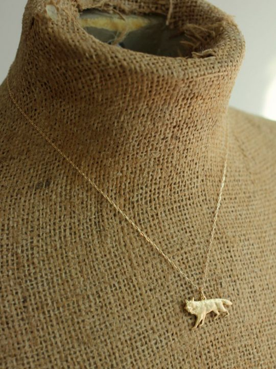 arya stark wolf necklace