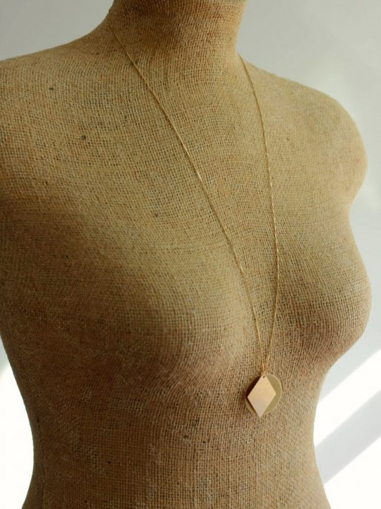 Circle and Diamond Necklace Mannequin