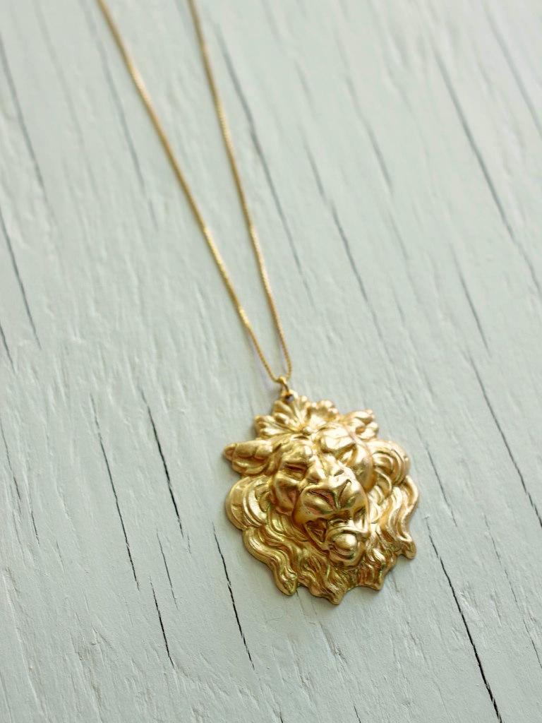 lannister debts necklace