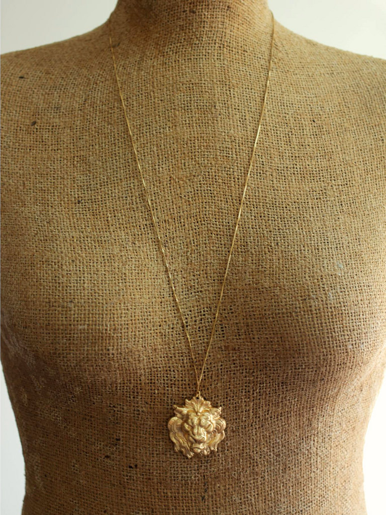 lannister lion gold necklace
