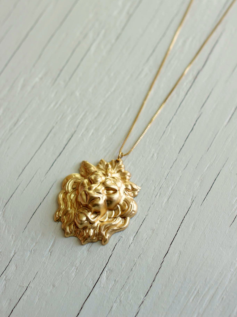 long gold lion necklace lannister