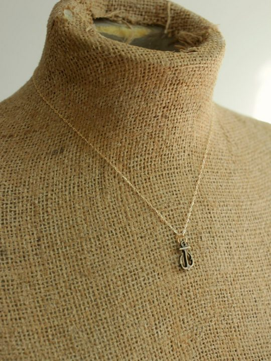 small anchor necklace gold