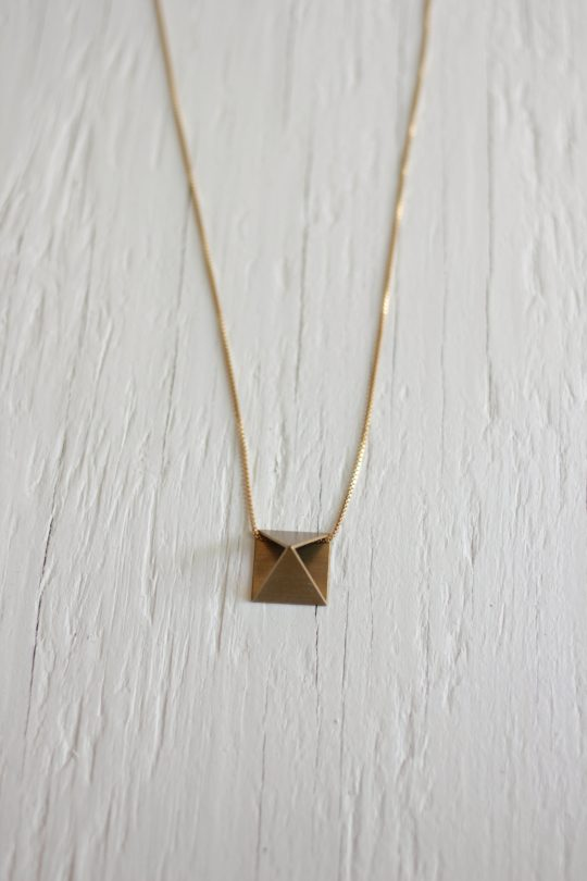 Triangle Necklace Gold